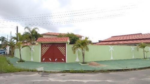 Linda Casa, Lado Praia! Lote Amplo, Com 02 Quartos. Visite!