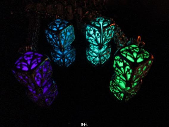 Collar Cubo Filigrana Brilla En Oscuridad Glow Fluorescente