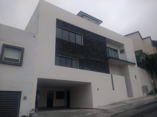 Casa En Privada Fundadores 1 Sector, Monterrey