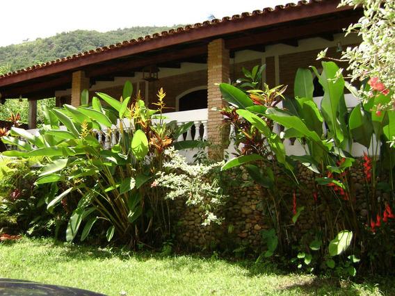 Casa Térrea Com Casa De Caseiro E Ou Hóspede