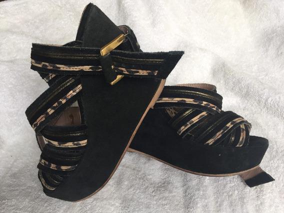 Zapatos Plataformas En Gamuza Negra Sibyl Vane