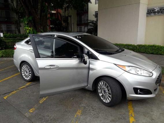 Ford Fiesta Titanium 1.6 Automático