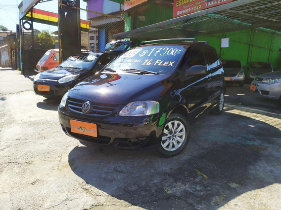 Volkswagen Fox Plus 1.6 Flex 8v 4p