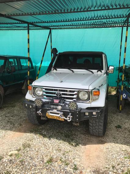 Toyota Macho Carpada