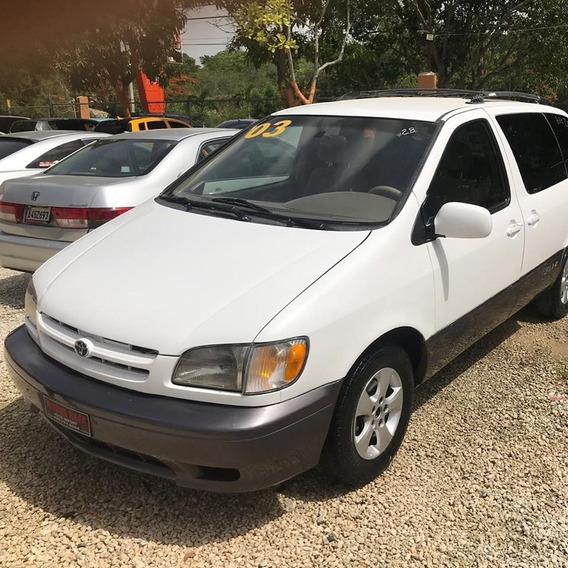 Toyota Siena Minivan