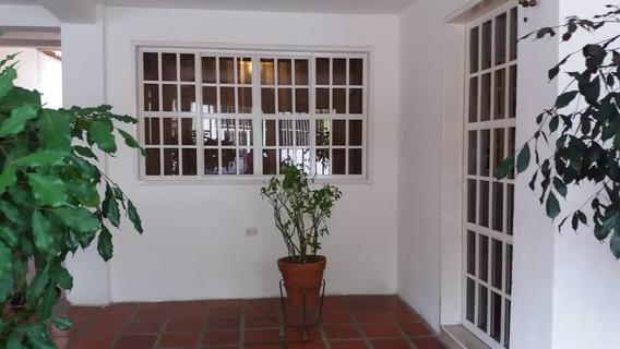 Anexo En Alquiler Urb. Las Delicias 04243799160