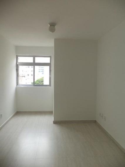 Ótima Kit Reformada, Com Cozinha E Área Serviço, Rua Santo Amaro- Bela Vista. - Md564
