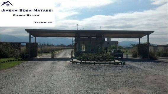 Espectacular Terreno En Esquina Country Cerca Del Aeropuerto