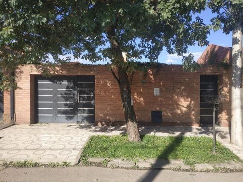 Imagen 1 de 12 de Hermosa Casa En Venta Zona Av. América Y Colombia