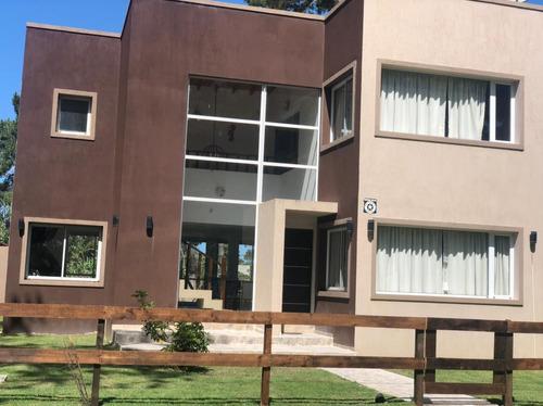 Imagen 1 de 14 de Imperdible Oportunidad Casa Costa Del Este