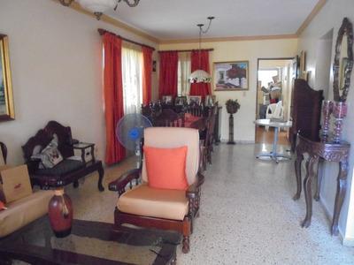 Casa En Venta En Arroyo Hondo Viejo, Santo Domingo