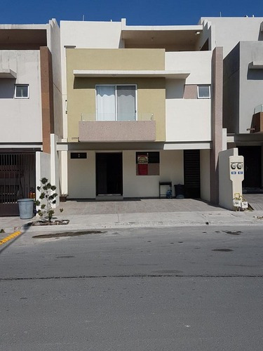 Casa En Venta En Cumbres La Rioja, Monterrey