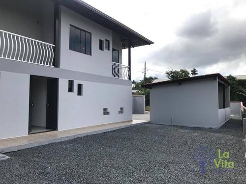 Casa À Venda, Com 3 Quartos, Sendo 1 Suíte, Com Amplo Espaço De Terreno - Bairro Bela Vista - Gaspar Sc - Ca0580