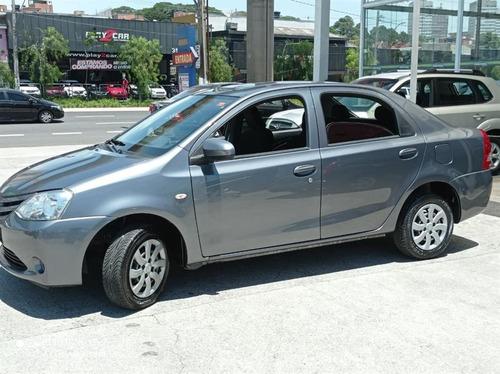 Toyota Etios Sedan  X 1.5 (flex) Flex Manual