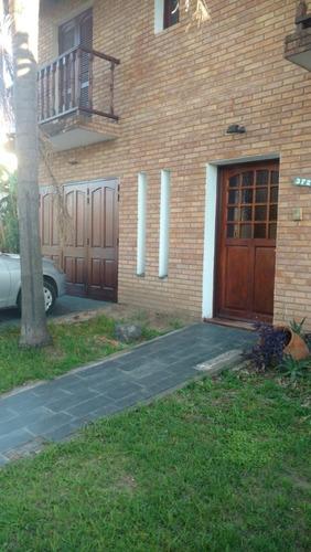 Vendo Casa 3 Dorm. B° Cerro De Las Rosas.