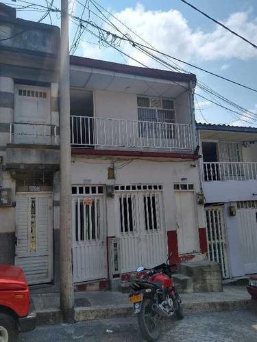 Se Vende Casa Dos Pisos Independientes, Centro