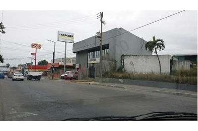Local Ideal Para Franquicias U Oficinas En Avenida Ayuntamiento, Frente Cerca De Altama.
