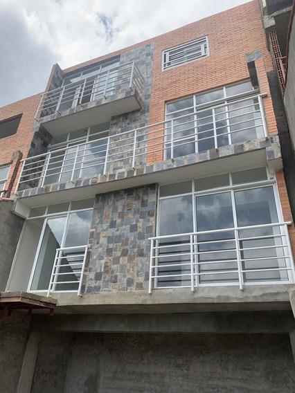 Town House En Venta Oripoto Sector La Mata (0424)1927482