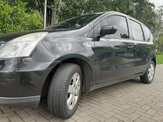Nissan Livina Automática