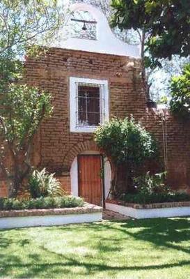 Casco De Hacienda En Venta, A Solo 500 M. De Zona Real