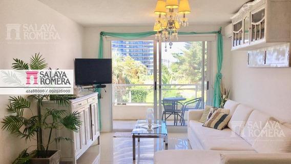 Venta Apartamento En Playa Mansa, 2 Dormitorios, 2 Baños, Cochera