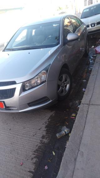 Chevrolet Cruze Color Plateado.