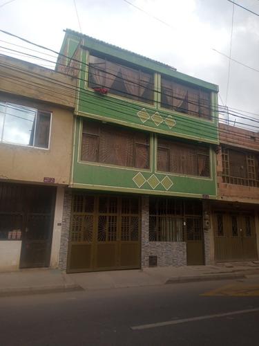 Imagen 1 de 2 de Casa De Tres Pisos Soacha