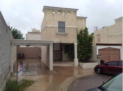 Casa Habitación En Venta Haciendas Del Real Por La Uvm