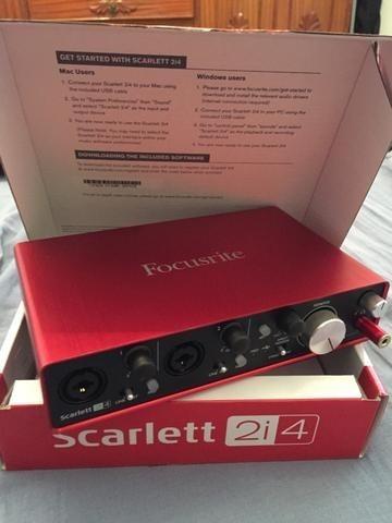 Interface De Áudio - Focusrite Scarlett 2i4 2°geraçao (zero)