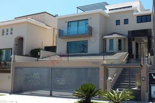 Residencia En Renta - Bugambilias 2da Sección
