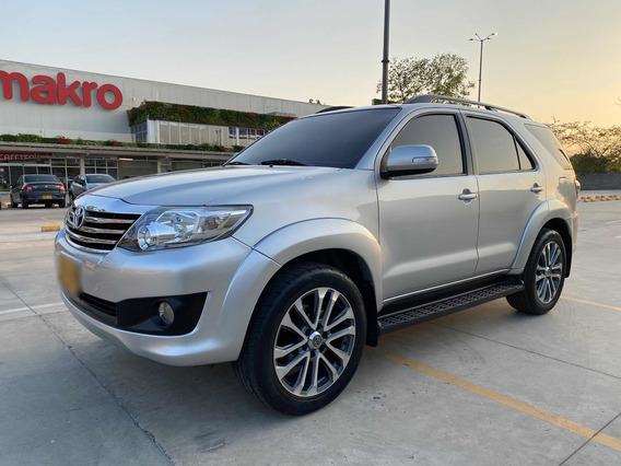 Toyota Fortuner Urbana 2.7 A/t 4x2