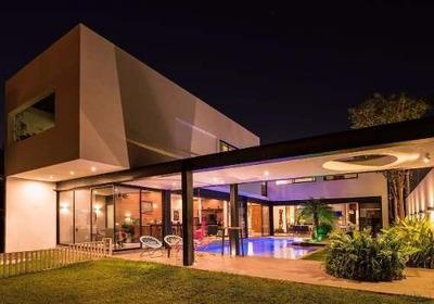 Espectacular Residencia De Lujo, Completamente Equipada Y Amueblada