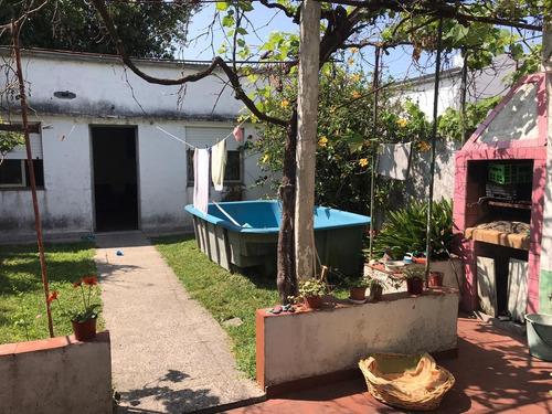Casa Con Local Comercial En Venta. La Plata