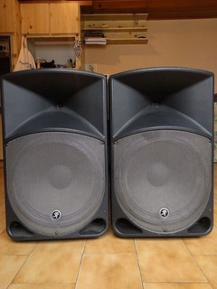 Mackie Th15 A Monitor Activo Full Range 500wts 15