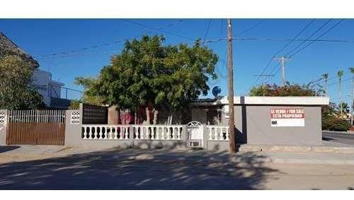 Excelente Casa Para Inversión Con 2 Departamentos Para Rentar