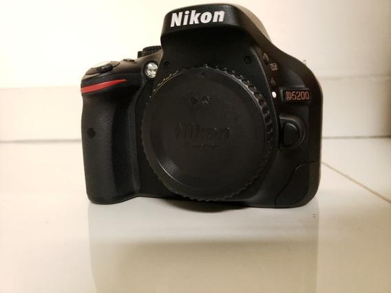 Nikon D5200. Apenas Corpo (só 3931 Cliques)! Único Dono!