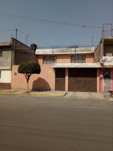 Casa En Venta En Nezahualcóyotl, Estado De México
