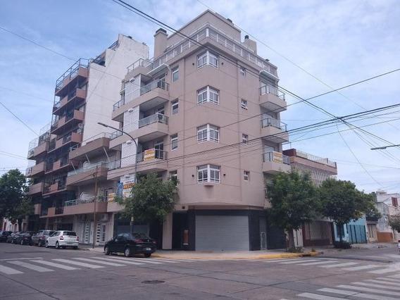 Local | Pilar Al 800