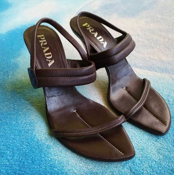 Prada Stiletto Heels En Piel, No. 39, Hechos En Italia.