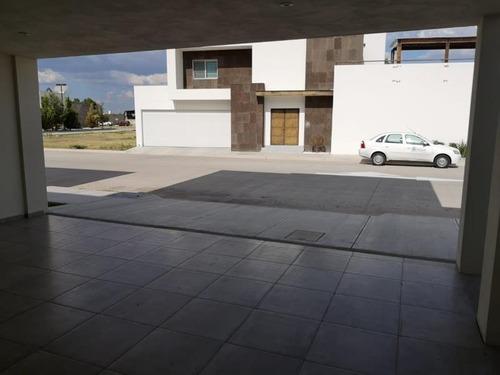 Casa En Venta En Fracc Los Laureles Residencial