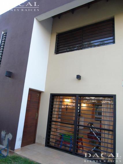 Casa En Alquiler En Gonnet Calle 15 E/ 493 Y 495 Dacal Bienes Raices