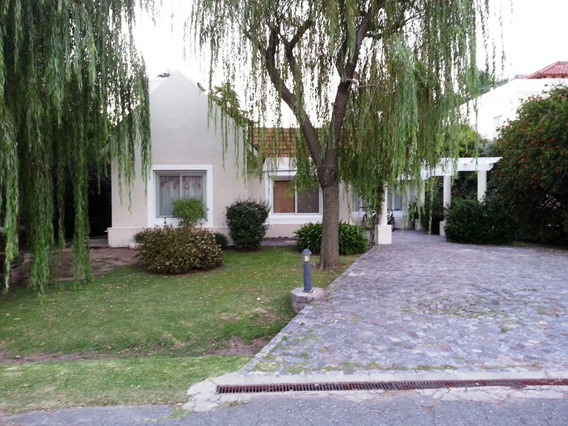 Venta Casa Las Praderas Luján, 3 Dormitorios, U$s 210000