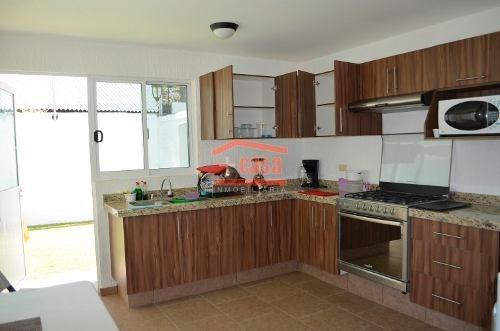 Casa Ubicada En Corregidora Con 3 Recamaras (facturamos)