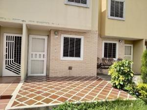 Casa En Venta Parque Valencia Cod 20-22220 Ddr