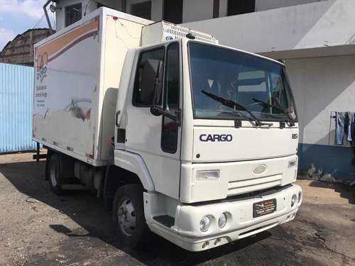 Ford Cargo 815e Baú Refrigerado