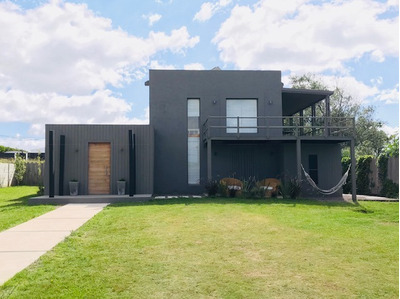 Casa En Punta Piedras (calle 8 Y Ruta 10)