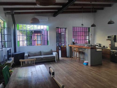 Dueño Vende Excelente Casa De Diseño Reciclada A Nueva