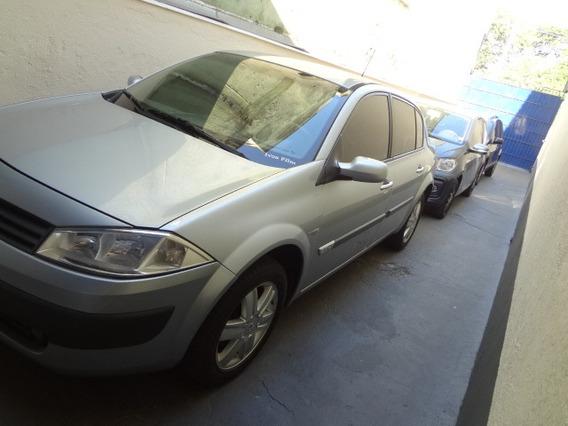 Mégane 2.0 Dynamique Sedan 16v Gasolina 4p Automático