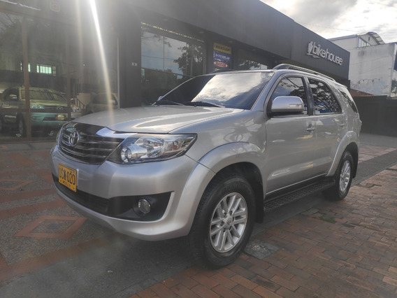 Toyota Fortuner Sr5 At 4x2 2700 Cc Aa