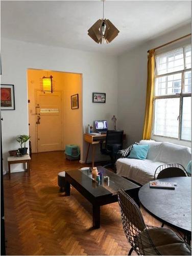 Venta De Apartamento De Dos Dormitorios Con Terraza Cordón Montevideo